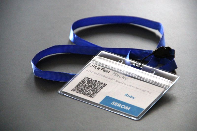 Halsbänder für die Teilnehmer der SEROM