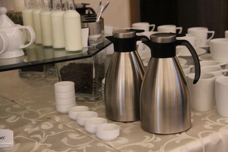 Kaffee, Tee und Softdrinks stehen jederzeit zur Verfügung